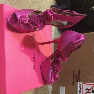 Betty Johnson hot pink pumps